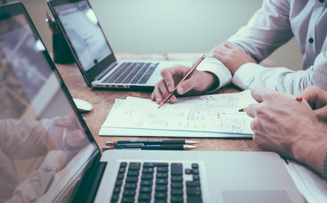 On-line vzdělávání: Od designu k praxi